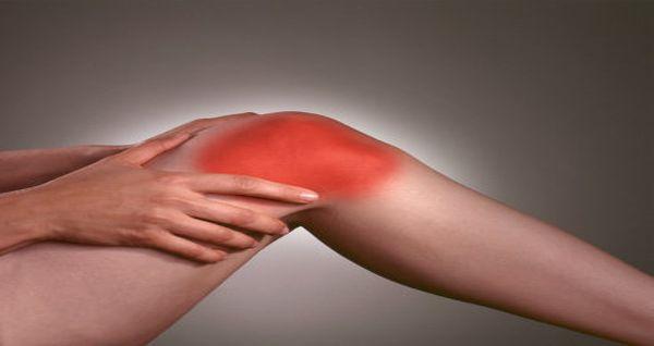 Son Espases aplica una técnica ambulatoria para evitar el dolor crónico de rodilla